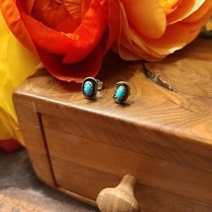 Jewelry - Native America turquoise stone silver post studs